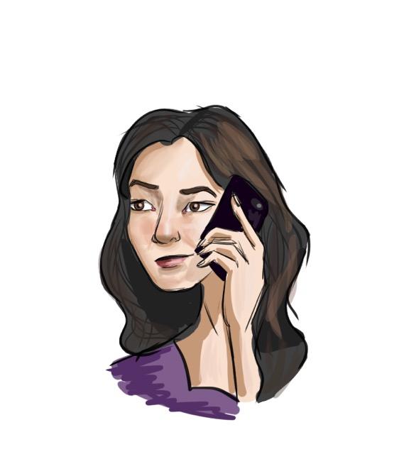 femme utilisant un téléphone